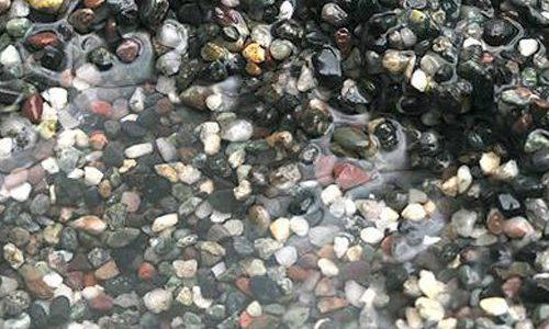 アクアリウムの底砂の種類と選び方!プロが紹介するオススメのソイルは?